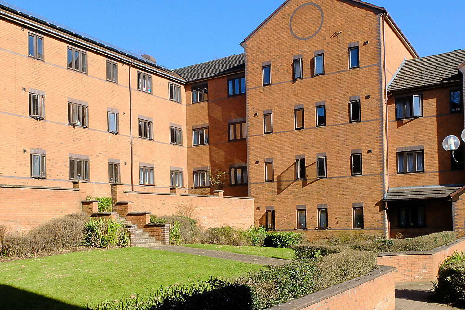 Keele University, accommodation in halls of residence