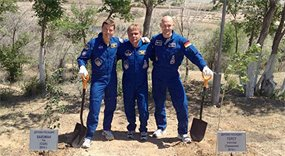European Space Agency – ISS astronauts plant trees in Baikonur