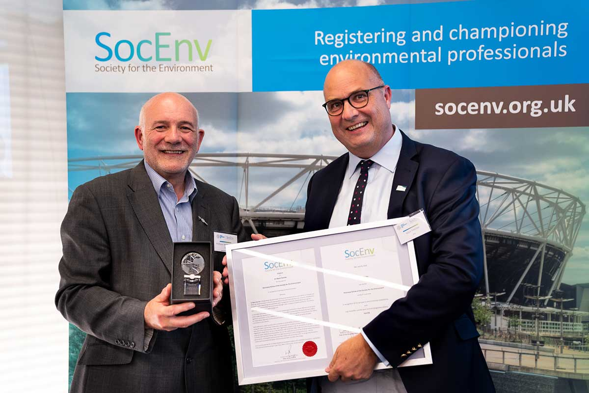 Professor Will Pope HonFSE CEnv (left) presenting Honorary Fellowship of the Society for the Environment to Dr Mark Fletcher (right).